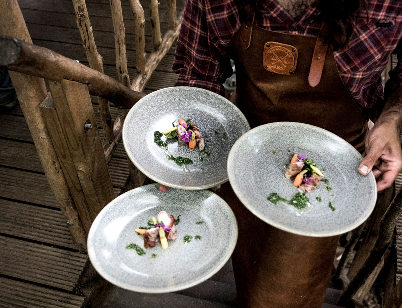 WITLOFT The Treehouse Story plates being served
