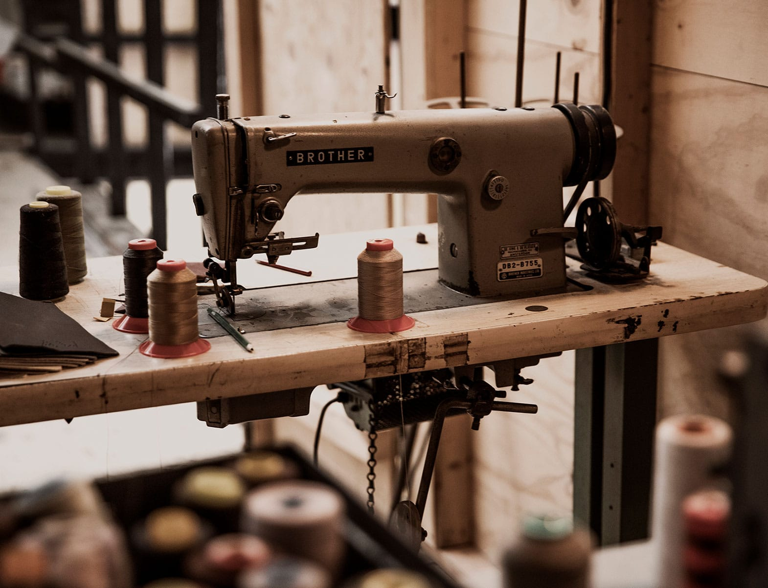 WITLOFT A day at the office Story sewing machine